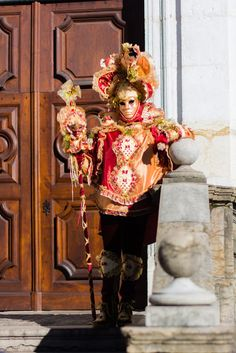 Carnaval annecy 2016 Venice Carnival Costumes, Carnival Of Venice, Venice Carnivale, Rare Clothing, Hidden Face, Beautiful Mask, Venetian Masks, Carnivals, Masquerade