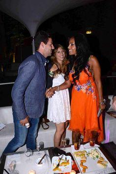 La bella Carolina Marconi, attrice e showgirl venezuelana con il nostro rent by Alberta Ferrretti! Thanks Carolina!!!  #drexcode #luxuryrent #carolinamarconi http://drexcode.com/prodotto/abito-in-chiffon-con-applicazione-floreale/