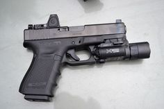 SHOOTING: Glock 23 Gen 4 with the Trijicon RMR 3.5 MOA