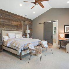 It's also not easy to build a modern rustic bedroom design in your home. You should also pay attention to some so that your rustic bedroom design is not boring. Modern Rustic Bedrooms, Farmhouse Style Bedrooms, Farmhouse Master Bedroom, Master Bedroom Design, Small Bedrooms, Master Suite, Bedroom Designs, Bedroom Rustic, Master Bedrooms