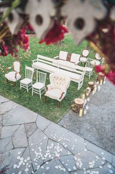 vintage rentals as ceremony seating - photo by Colleen Stepanian Photography http://ruffledblog.com/best-of-2015-wedding-ceremonies