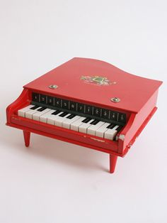 I had this toy piano in Pink .and I remember one of the legs had broken on it .but I loved it . 1970s Childhood, Childhood Memories, Piano Man, Sweet Memories, The Good Old Days, Retro, New Toys, Vintage Toys, Vintage Art