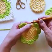 aprende a realizar 2000 puntos a crochet grafico y patrones - The world's most private search engine Crochet Flower Patterns, Crochet Patterns For Beginners, Crochet Flowers, Knitting Patterns, Crochet Crafts, Easy Crochet, Crochet Hooks, Free Crochet, Diy Crafts