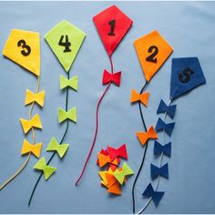 Counting and Colour Sorting Kites Felt Board Set RHYME Colors Wind Weather Flannel Felt Board Templates, Felt Board Patterns, Felt Board Stories, Felt Stories, Literacy And Numeracy, Literacy Skills, Early Childhood Centre, Summer Crafts, Digital Pattern