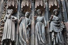 Неразумные девы в Стратсбургском соборе Strasbourg, Gothic Art, Notre Dame, Statue, History, Gothic Artwork, Historia, Sculptures, Sculpture