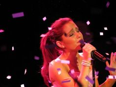 performance of her next single pink champagne <3