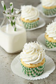 Coconut Cupcakes! Love the frosting. #cupcakes #cupcakeideas #cupcakerecipes #food #yummy #sweet #delicious #cupcake