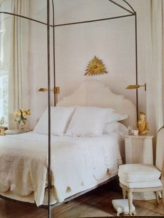 neutral with a dash of gilt.