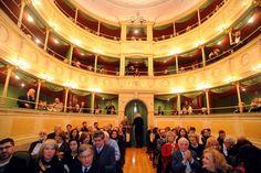 Il teatro Gerolamo, chiuso per inagibilità nel 1983, è stato riaperto al pubblico dopo un infinito restauro costato, pare, circa 7 milioni.