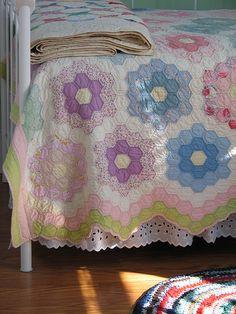 Grandmother's Flower Garden Border Idea - vintage quilt from christmasnotebook