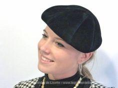 Ancien chapeau béret feutrine à plis.