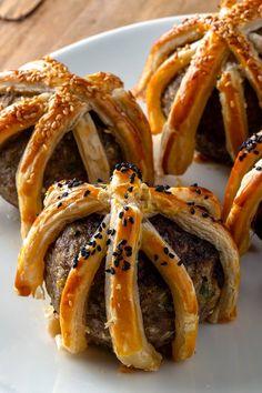 Arda'nın Mutfağı Kafes Köfte Tarifi 02.02.2019 Meatball Recipes, Meat Recipes, Low Carb Recipes, Turkish Recipes, Ethnic Recipes, Oriental, Breakfast Items, Iftar, Food Presentation