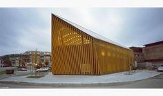 Biblioteca y Casa de la Cultura Vennesla, Noruega.  Vennesla Bibliotek og Kulturhus es una nueva biblioteca pública para los habitantes del municipio de Vennesla.  El edificio fue diseñado por los arquitectos de Helen & Hard y comenzó oficialmente a finales de 2011.