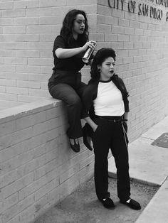 Madam Monster C/S — Pachucas de 1940s En Barrio Logan.