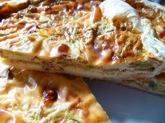 Perfetta come antipasto o contorno sfizioso, la torta salata porri e speck è un piatto un po' laborioso ma dal sapore intenso e strepitoso