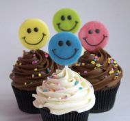 Smiliest Cupcakes in the world... by SAS Cupcakes !!