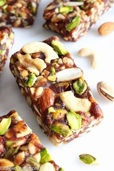 Three ingredients no bake Healthy Date Bars are loaded with anti oxidants, fiber and protein. snacks Healthy Date Bars (Healthy Date Nut Bars) - Greedy Eats Vegan Healthy Snacks, Healthy Bars, Healthy Sweets, Healthy Baking, Vegan Recipes, Cooking Recipes, Recipes With Dates Healthy, Healthy Muesli Bar Recipe, Eating Healthy