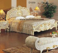 tempat tidur ukiran mewah kayu mahoni