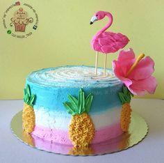 40 Trendy Birthday Cake Ideas For Mom Simple Red Velvet Birthday Cake, Birthday Drip Cake, 14th Birthday Cakes, Birthday Party Tables, Birthday Crafts, Birthday Cake Girls, Birthday Ideas, Flamingo Cake, Flamingo Birthday