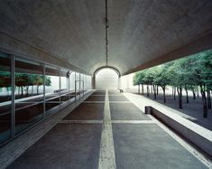Louis Kahn - Kimbell art museum, Fort Worth TX Previously. Via Grant Mudford. Louis Kahn, Museum Architecture, Architecture Details, Modern Architecture, Museum Of Modern Art, Art Museum, Versailles, Museums In Dallas, Brutalist