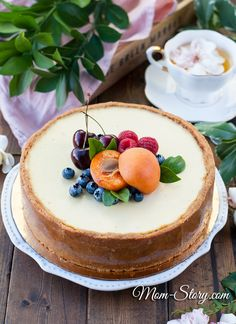 """Share your recipe! Ingredients: Shortbread cookies — 320 g Butter — 200 g Cream cheese """"Philadelphia"""" — 900 g Sugar — 220 g Eg Easy Cheesecake Recipes, My Recipes, Sweet Recipes, Cooking Recipes, Food Science, Chocolate Desserts, Organic Recipes, Queso, Food And Drink"""