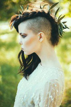 I LOVE LOVE LOVE this! Beautiful bride   via RockNRollBride   photo by Morgan Wade