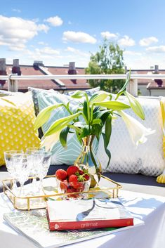 Table Decorations, Furniture, Home Decor, Modern, Rome, Decoration Home, Room Decor, Home Furnishings, Home Interior Design