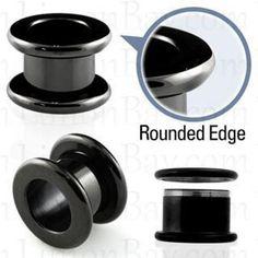 Plug túnel de acero quirúrgico anodizado negro con bordes redondeados y rosca interna. De 8 mm a 12 mm. Ideal para tu dilatación de oreja. ¿Comprar piercin, 4.49