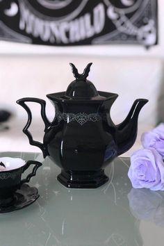 Tea Cup Saucer, Tea Cups, Coffee Cups, Goth Home Decor, Creepy Home Decor, Gothic House, Gothic Room, Ceramic Teapots, Home And Deco