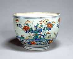 東京国立博物館 - コレクション 名品ギャラリー 陶磁 色絵花鳥文大深鉢(いろえかちょうもんおおふかばち) 拡大して表示