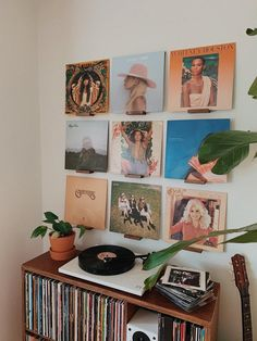 Display shelves for your vinyl record collection created in UK by The Vinyl Wall. Retro Room, Vintage Room, Bedroom Vintage, Vintage Walls, Room Ideas Bedroom, Bedroom Decor, Bedroom Shelves, Bedroom Inspo, Design Bedroom