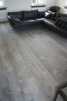 Vintage Elements' aged French oak targets the home owner or designer that wants maximum customization on their hard wood floors. Distressed Wood Floors, Grey Wood Floors, Hardwood Floors, Flooring, Wood Look Tile, French Oak, How To Distress Wood, Architecture, Antiques