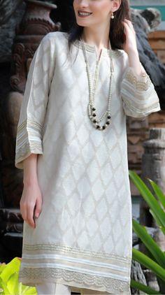 Pakistani Fashion Party Wear, Pakistani Formal Dresses, Pakistani Couture, Pakistani Dress Design, Pakistani Outfits, Indian Fashion, Stylish Dresses, Fashion Dresses, Casual Dresses