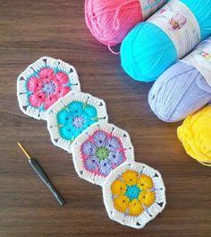 Birer numune örerek başladım yeni serüvenime Renkli günler herkese Ip : Alize Happy Baby Tığ : 3 mm Örnek : African Flower #örgüfikirleri#örgü#tığisi#crochet#crochetblanket#crochetbabyblanket#bebekbattaniye#bebekbattaniyesi#örgübattaniye#colorful#10marifet#hanimelindenorgu#battaniye#colorful#love#handmade#bebekhediyesi#bebekhazirligi#bebekçeyizi#crochetersofinstagram#craftastherapy#babyblanket#crocheting#grannysquaresrock#africanflower#crochetaddict