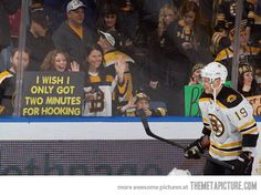 You all know that my second fav hockey team is the Bruins. Couldn't love this picture anymore.