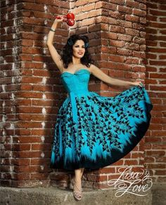 """Show stopper 1950's hand painted turquoise & black Mexican strapless bustier top w/ matching circle skirt by """"Mocombo made in Mexico!"""""""