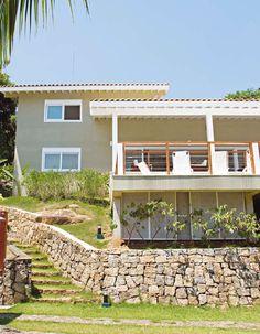 Casa em aclive acentuado