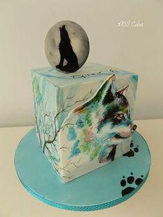 Hand painted fondant wolf cake by MOLI Cakes Pretty Cakes, Beautiful Cakes, Amazing Cakes, Dog Cakes, Cupcake Cakes, Native American Cake, Wolf Cake, Fantasy Cake, Hand Painted Cakes