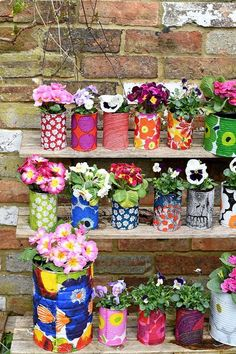 Marimekko, Upcycled Crafts, Upcycled Garden, Diy Crafts, Recycled Cans, Decoration Crafts, Fabric Crafts, Diy Planters, Planter Pots