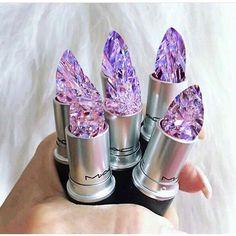 Resultado de imagem para mac lipstick filled with crystals Best Mac Makeup, Best Makeup Products, Cute Lipstick, Gloss Labial, Make Up Designs, Beauty Make-up, Cute Makeup, Simple Makeup, Makeup Art