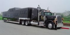 tractor trailer limo 650x326 Midnight Rider: Worlds Heaviest Limo Needs to be Pulled by Tractor Trailer