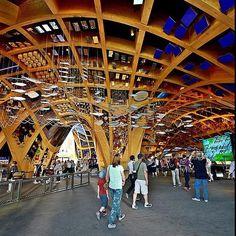 L'interno del Padiglione @FranceExpo2015, ispirato al paesaggio collinare e all'architettura dei mercati coperti francesi. The inside of @FranceExpo2015 Pavilion, inspired by the french hills and the architecture of the indoor markets. #Expo2015  Repost: @chiaraber
