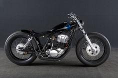 Gravel Crew's Yamaha Bobber Triumph Bobber, Bobber Motorcycle, Bobber Chopper, Moto Bike, Motorcycle Design, Bobber Bikes, Dirt Bikes, Vintage Motorcycles, Custom Motorcycles