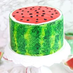 This Watermelon Layer Cake looks AND tastes just like a real watermelon! It& the ultimate fun summer cake! Raspberry Smoothie, Apple Smoothies, Nutrition Education, Mini Chocolate Chips, Melting Chocolate, Mini Cakes, Cupcake Cakes, Cream Cheese Buttercream, Baker Cake