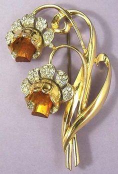 CORO ART DECO  Vintage Floral Rhinestone Brooch Pin