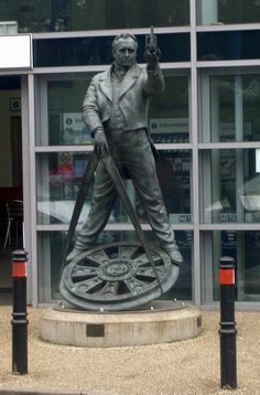 Statue of George Stephenson at Chesterfield Railway Station, Derbyshire, UK George Stephenson, Chesterfield Derbyshire, Places To Travel, Places To Go, Republic Of Ireland, Peak District, English Countryside, British Isles, Best Memories