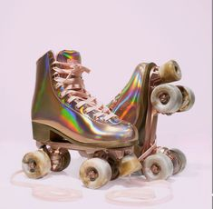 Retro Roller Skates, Roller Skate Shoes, Roller Derby Skates, Quad Skates, Roller Skating, Rollers, Bright Summer Acrylic Nails, Kawaii Shoes, Girls Football Boots