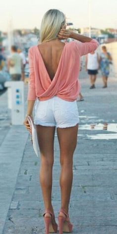 Love this look! Can't imagine my wobbly thighs and saggy tushy though! Lol she rocks it though
