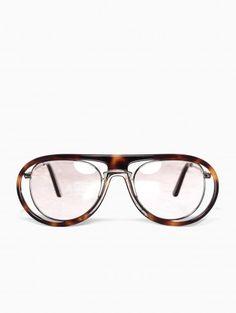 Ray Ban 'Tortoise' sunglasses from Kuboraum collection.