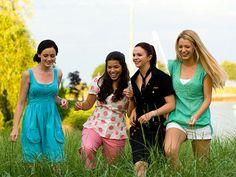 FAST FRIENDS photo   Alexis Bledel, Amber Tamblyn, America Ferrera, Blake Lively